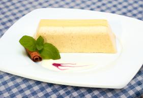 Lys da Capo Zimt-Honigkuchen-Creme auf Teller angerichtet